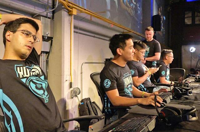'Dota 2' veterans steamrolled by AI team in exhibition match