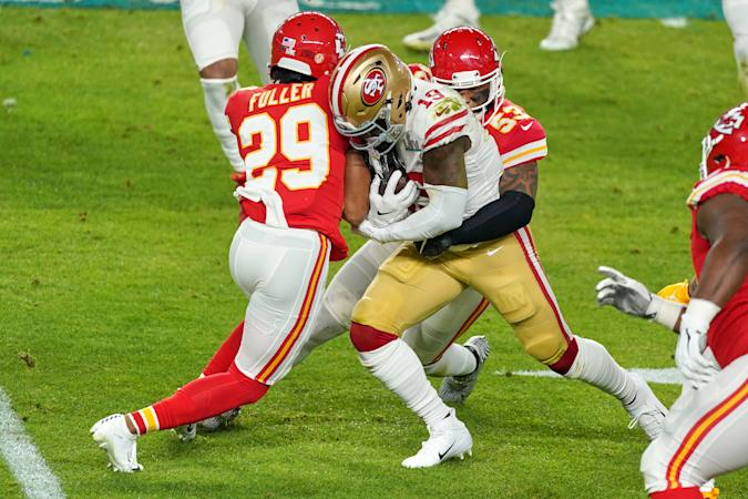 MIAMI GARDENS, FL - FEBRUARY 02: San Francisco 49ers wide receiver Deebo Samuel (19) battles with Kansas City Chiefs cornerback Kendall Fuller (29) and Kansas City Chiefs inside linebacker Anthony Hitchens (53) in game action during the Super Bowl LIV game between the Kansas City Chiefs and the San Francisco 49ers on February 2, 2020 at Hard Rock Stadium, in Miami Gardens, FL. (Photo by Robin Alam/Icon Sportswire via Getty Images)