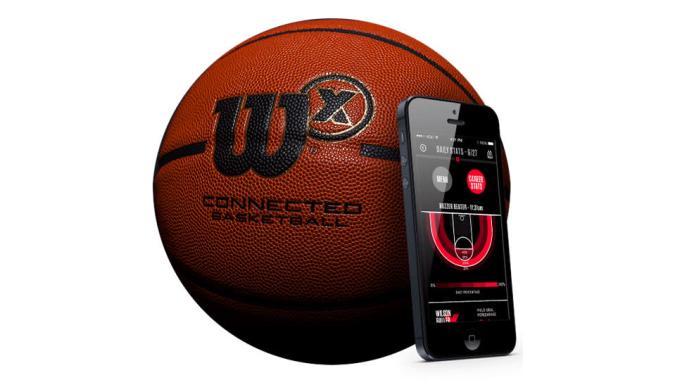 Dieser smarte Basketball zählt eure Treffer