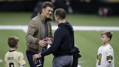 Brady, Brees share special moment after game