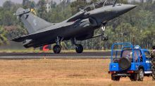 Rafale vs China's J-20 vs Pak's JF-17: How Effective Would IAF's Latest Fighter Jet Be in a Two-Front War