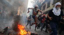 La falta de respuestas a la violencia debilita aún más a Sebastián Piñera