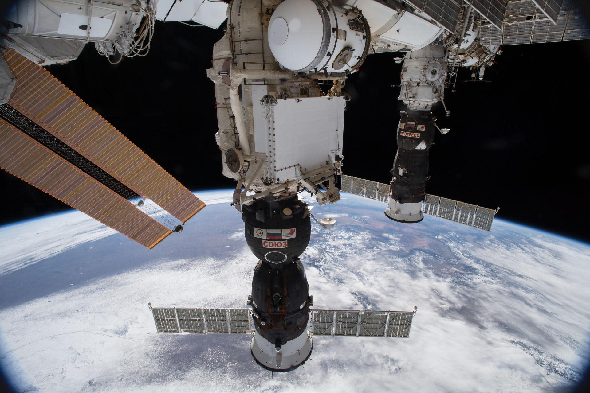 international space station astronauts return to earth - photo #19
