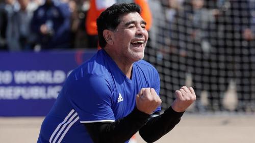 """Barcelone, Maradona : """"Quatre matchs de suspension pour Messi c'est beaucoup"""""""