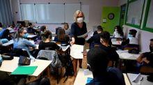 """""""Le coronavirus ne s'arrête pas à la porte de l'école !"""" : la multiplication des foyers de contamination dans les écoles et les universités préoccupe les professeurs"""
