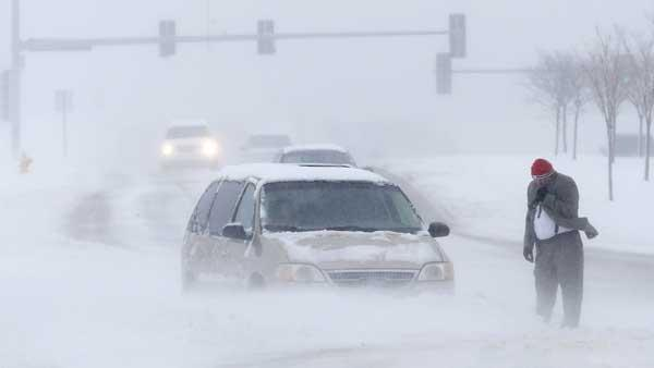 Parts of central Illinois see up to foot of snow