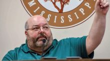 Mississippi mayor flouts calls to resign over Floyd comments