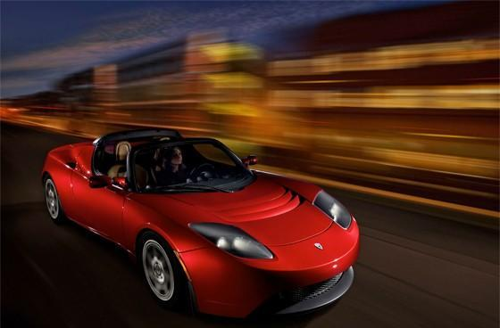 Tesla's Roadster rolls 241 miles on single charge, annoys petrol pumps