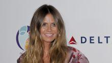 Heidi Klum preciosa en satén pero afirman que luce mayor que su edad