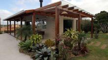 23 pérgolas para quintais e terraços sensacionais