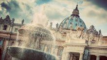 Vaticano, ordine di cattura per mons. Zanchetta: accusato di abusi sessuali