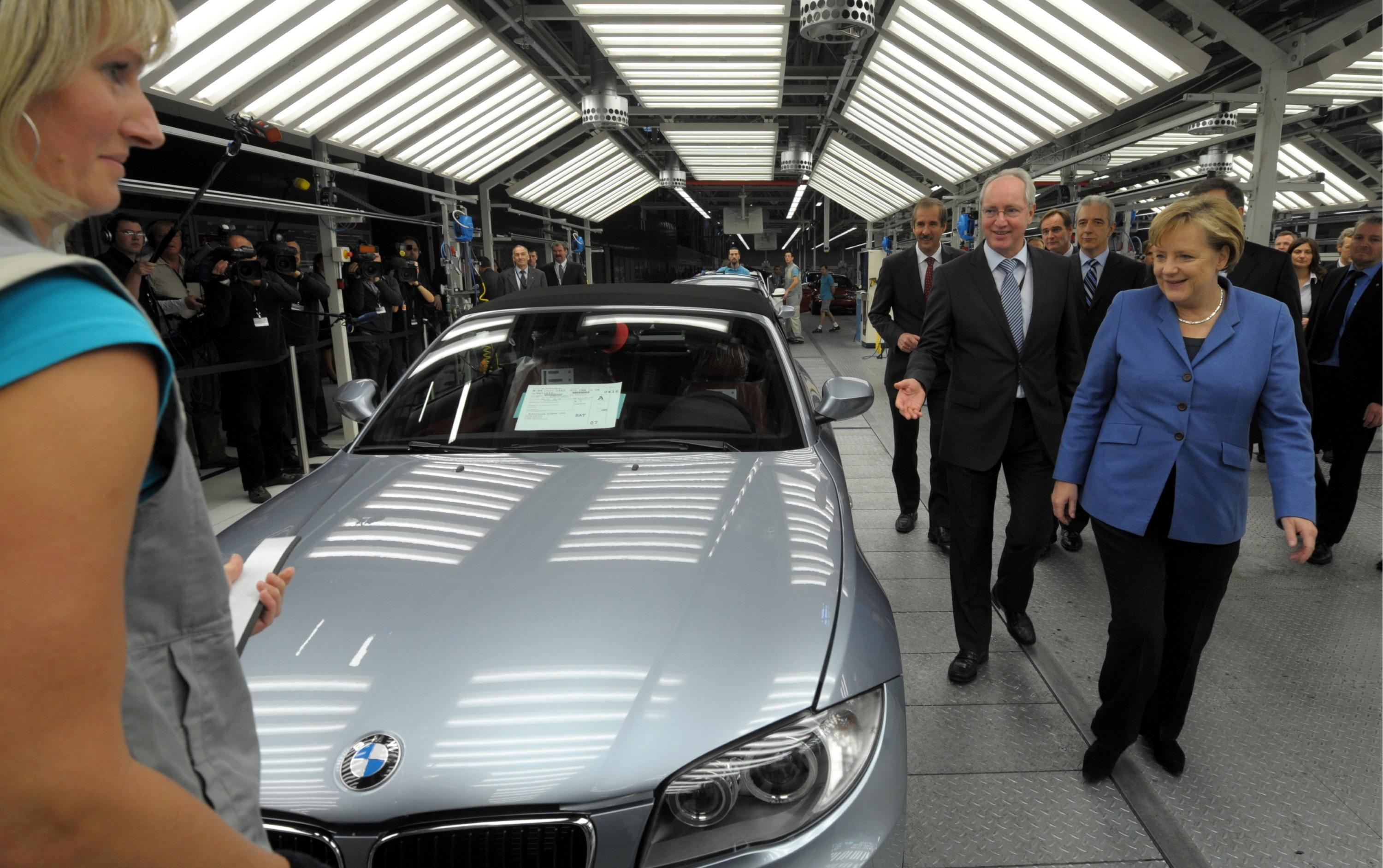 Merkel Party Took Bmw Money Before Emissions Call