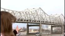Possible crack leads to Kennedy Bridge inspection