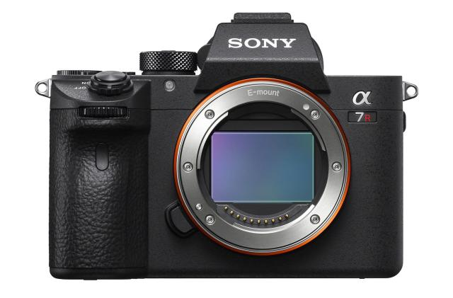 Sony's A7R III packs big improvements into a familiar package