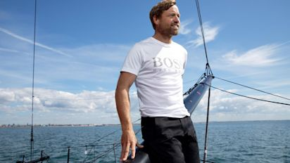 Alex Thomson out of Vendee Globe after damage to boat
