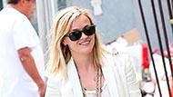 WOWtv - Reese Witherspoon Gets Cheeky While Out and About in Venice Beach