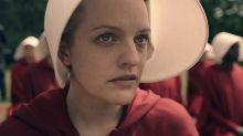 Elisabeth Moss confiesa en 'El Hormiguero' qué prenda odia del vestuario de 'El cuento de la criada'