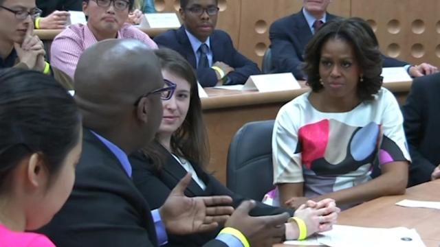 Michelle Obama urges Chinese students to explore the world