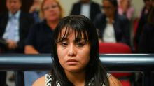 Justiça salvadorenha retoma julgamento contra mulher cujo bebê teria nascido morto