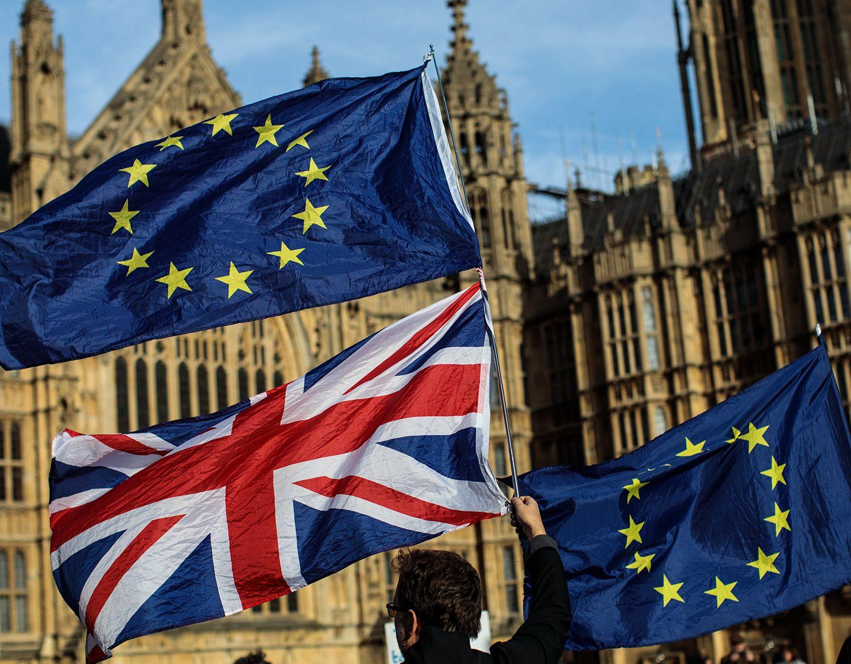 Brexit talks soldier on, summit looms