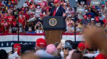 Na Flórida, Trump comemora recuperação e Biden o acusa de espalhar o coronavírus