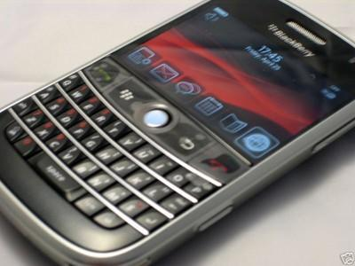 Unlocked Blackberry 9000 spotted on eBay with new pics