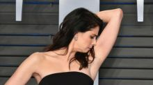 Sarah Silverman's not too glam to do a pit check on the red carpet