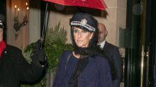 EN IMAGES - Céline Dion illumine Paris avec ses looks