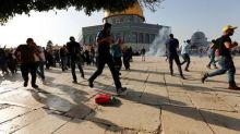 Thousands of worshippers surge into Jerusalem's Al-Aqsa mosque, 113 injured