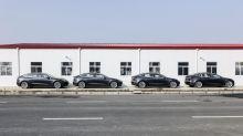 Tesla Sinks on Weak China Registrations Before Brunt of Virus