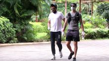 Anil Kapoor spotted jogging at park in Juhu ; Watch Video