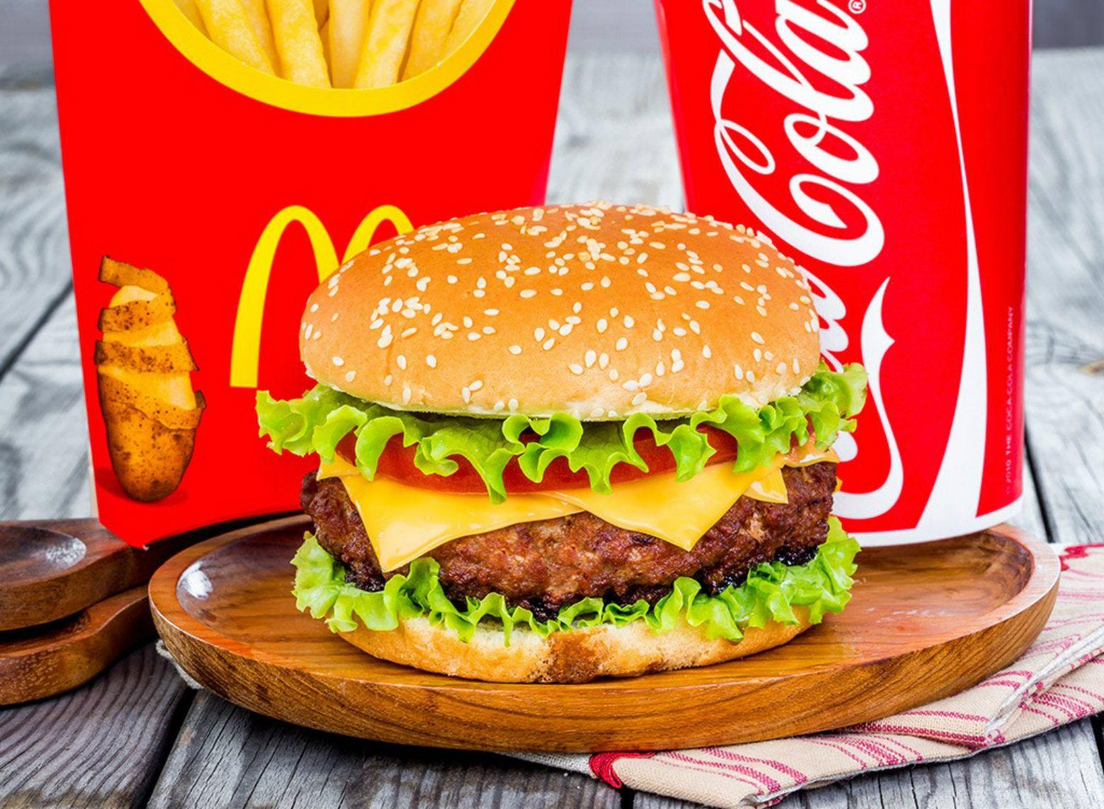 slamme eating fast food - HD1560×1143