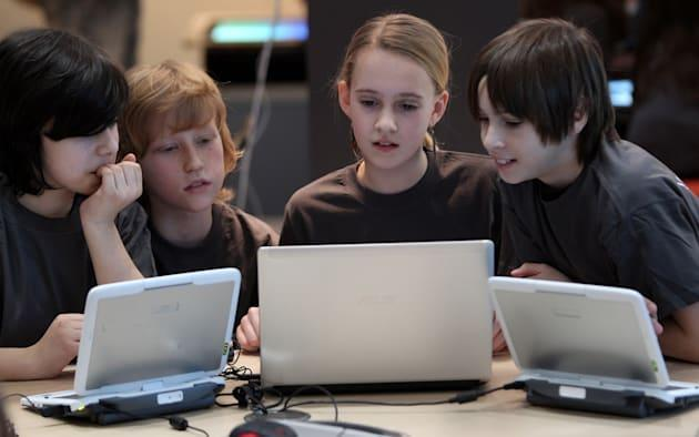Tech giants, government promote computer science with Hour of Code