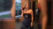 Bride surprises father by wearing Chicago Bears-themed wedding dress for their dance