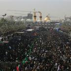 Iraqi pilgrims protest corruption during Arbaeen march