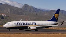 Ryanair passenger attacks four police officers after refusing to wear face mask