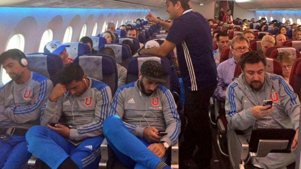 El avión que trasladaba al plantel de Universidad de Chile a Brasil no pudo despegar