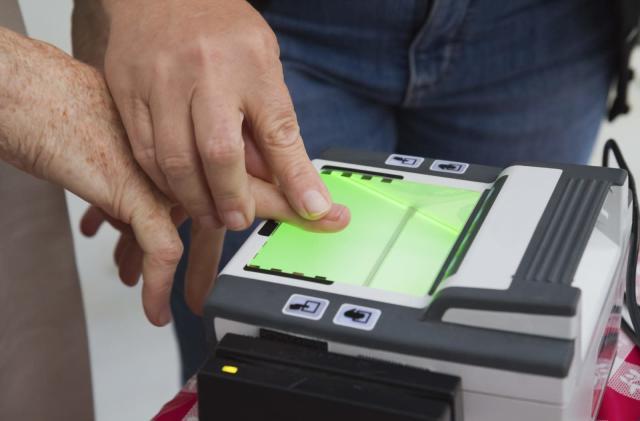 TSA begins testing fingerprint check-ins at two US airports