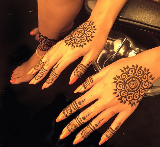 the meaning behind beyonc s hennaed hands. Black Bedroom Furniture Sets. Home Design Ideas