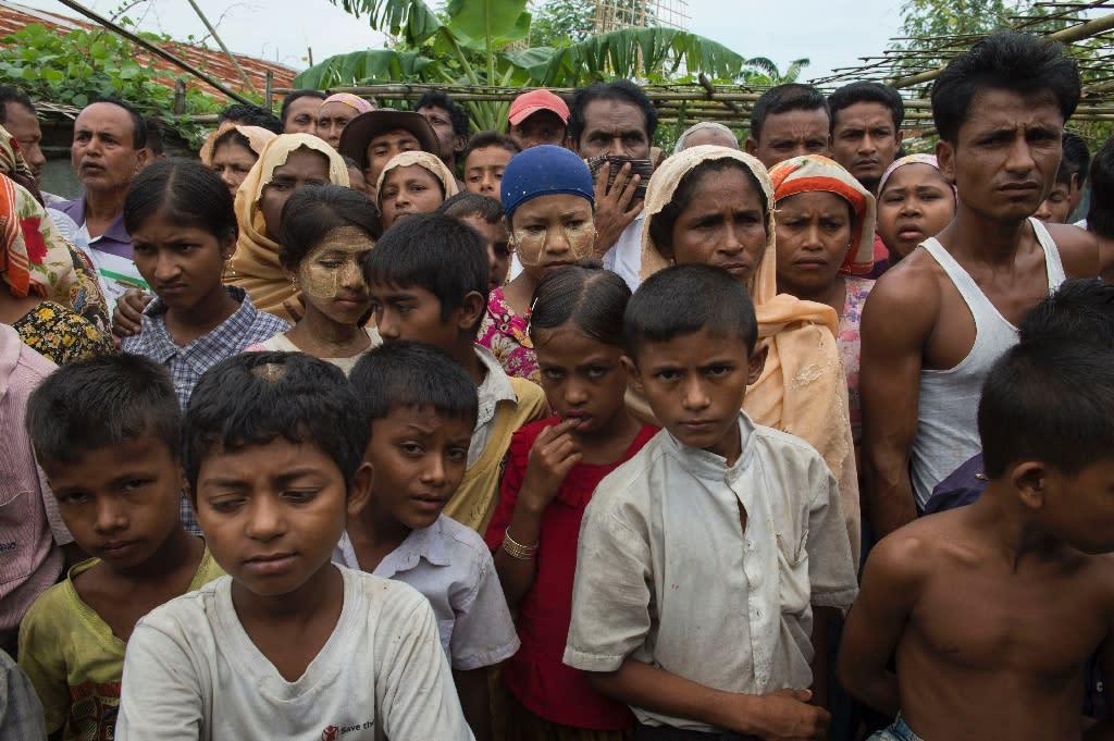 Minority Muslim Rohingya gather at the Thet Kal Pyin displacement camp in Sittwe, Rakhine state (AFP Photo/Romeo Gacad)