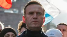 Alexei Navalny: Trump refuses to condemn Russia over poisoning