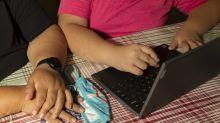 Al comenzar las clases, las madres que trabajan en el sector minorista sienten una carga adicional