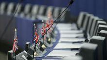 La tristeza de una parte de los eurodiputados británicos ante su última sesión y la esperanza de volver