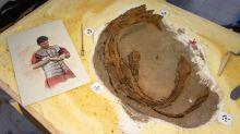 Archäologen finden römischen Schienenpanzer in Niedersachsen
