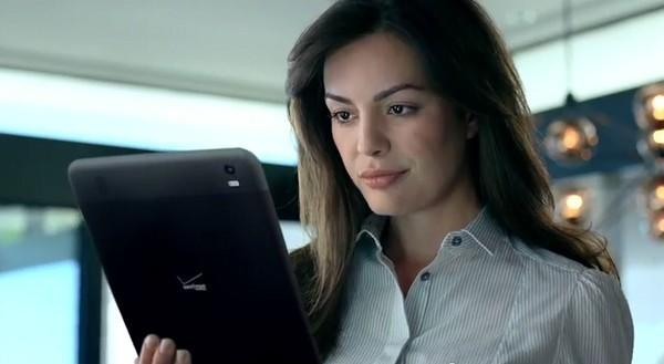 Verizon video shows an unannounced tablet, could it be the Xoom 2? (update: it's back!)