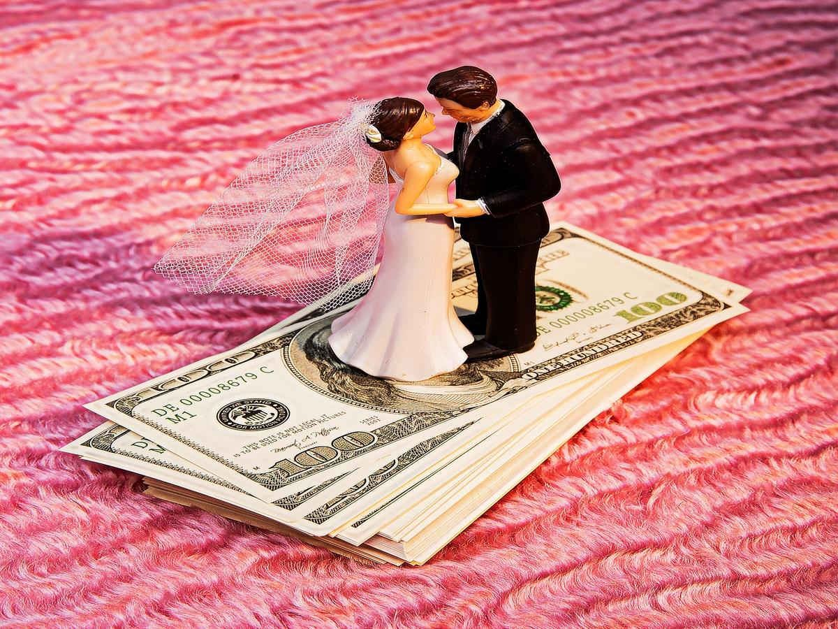 15 Women Share Who Paid For What At Their Weddings