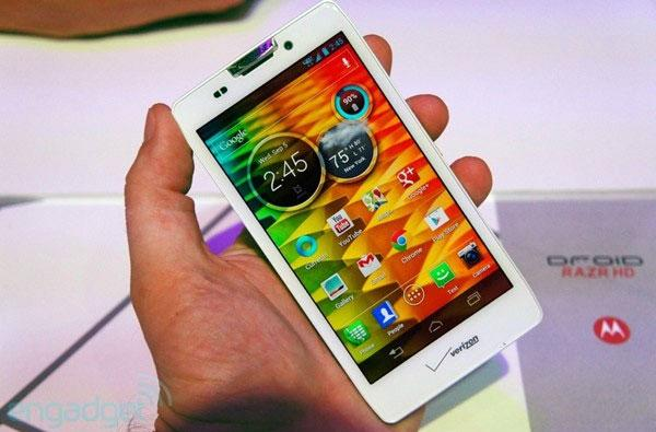 Motorola Droid RAZR HD hands-on: a 720p Android ICS update with 2,500mAh battery life
