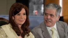 La justicia argentina pide detener a un exministro clave de los Kirchner