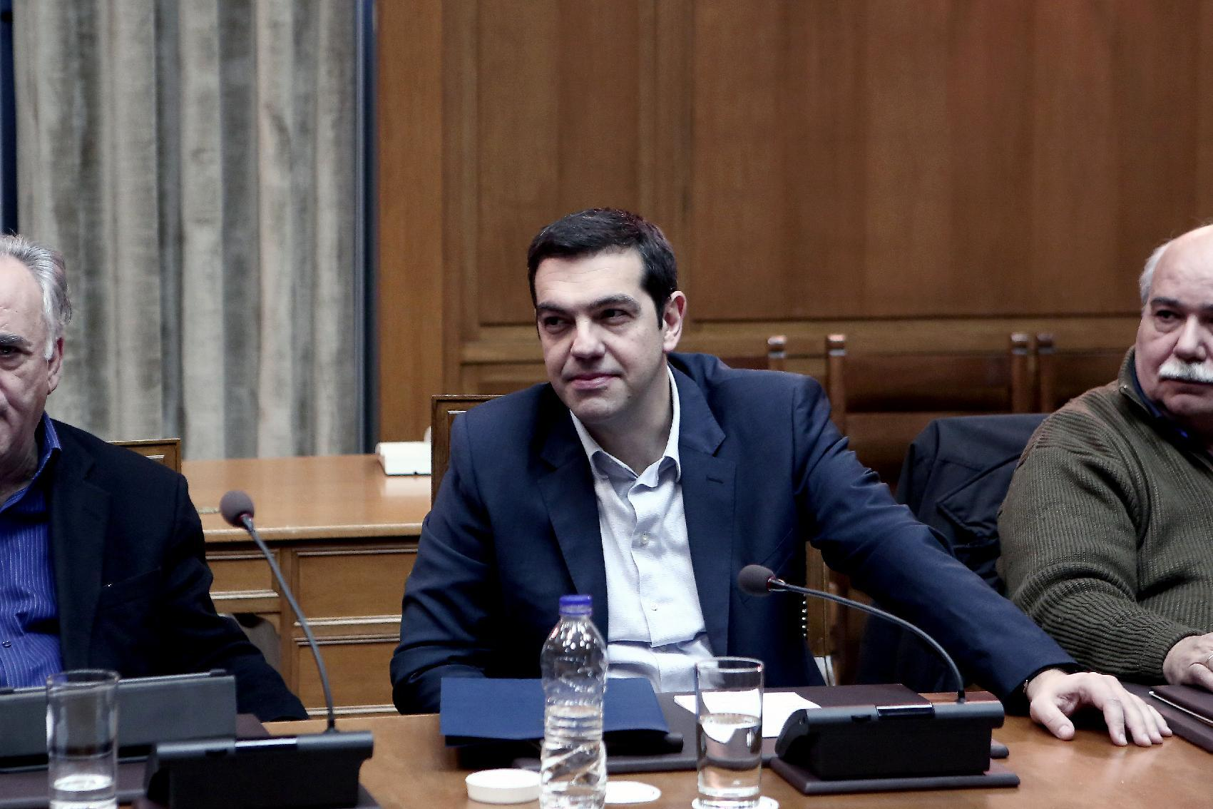 Greek Prime Minister Alexis Tsipras attends a cabinet meeting on February 21, 2015 (AFP Photo/Angelos Tzortzinis )
