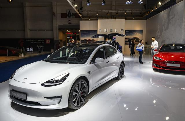 Tesla trails the pack in its first JD Power car quality study